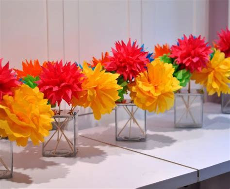 25  best ideas about Mexican party decorations on