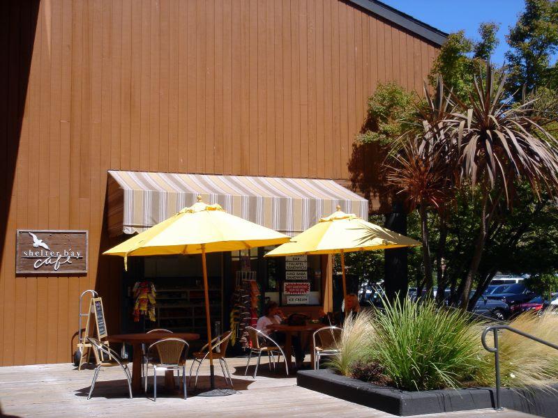 Shelter Bay Cafe
