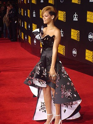 English: Rihanna at the 2009 American Music Aw...