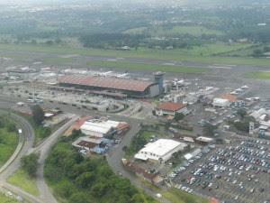 Vista aérea del Aeropuerto Juan Santamaría. CRH