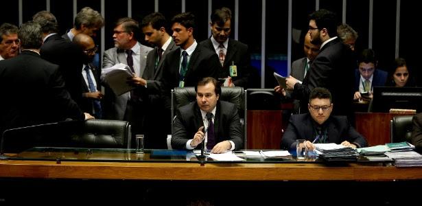 Presidente Rodrigo Maia durante votação do pacote com medidas anticorrupção