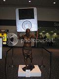 iPod,sculpture,MacWorld2010