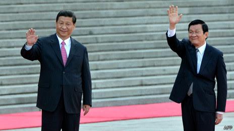 Chủ tịch VN Trương Tấn Sang (phải)