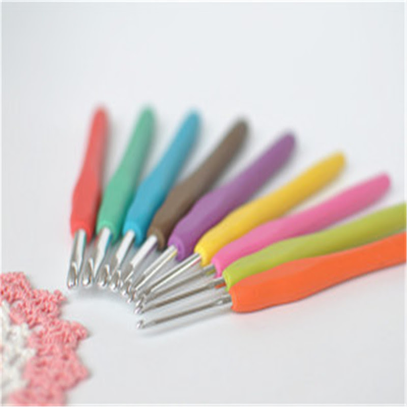 http://pl.aliexpress.com/item/2016-New-9PCs-Mixed-Metal-Hook-Crochet-Template-Kit-TPR-Aluminum-Knitting-Needles-For-Loom-Tool/32648394889.html?spm=2114.010208.3.428.IpdiCW&ws_ab_test=searchweb201556_7,searchweb201602_4_10037_10017_405_507_10033_10032,searchweb201603_10&btsid=9f1bbfa3-9bf7-4856-b8ca-53e96c6e9d31