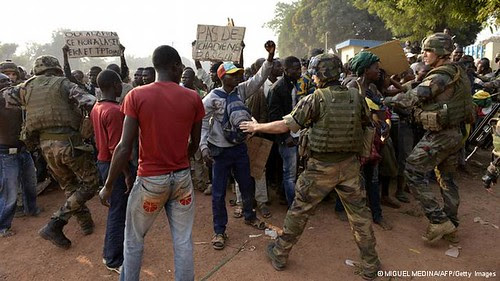 Central African Republic crowd protesting French intervention. Paris has occupied the country with 1,600 troops backed by the United States. by Pan-African News Wire File Photos