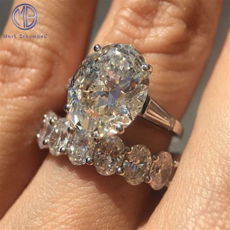 Best 25  Vintage oval engagement rings ideas on Pinterest