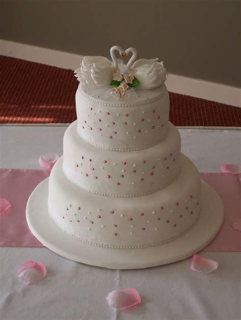 19 best Swan wedding favors images on Pinterest   Wedding