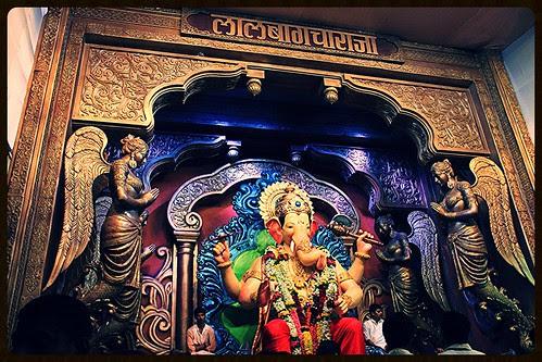 Hee Shan Konachi - Lalbagh Chya Raja Chi.. by firoze shakir photographerno1