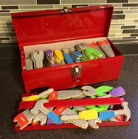 1000  ideas about Tool Box Cake on Pinterest   Tool cake