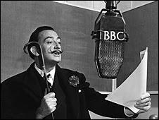 Salvador Dalí ante los micrófonos de la BBC