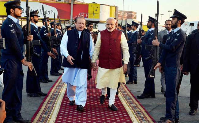 'Touched By The Warmth', Says PM Modi After Meeting Pakistan PM Nawaz Sharif