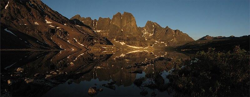 File:Mount monolith 001.jpg