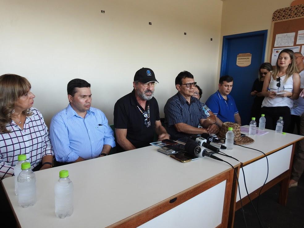 Secretários do Amazonas acompanharam comitiva durante visita (Foto: Adneison Severiano/G1 AM)