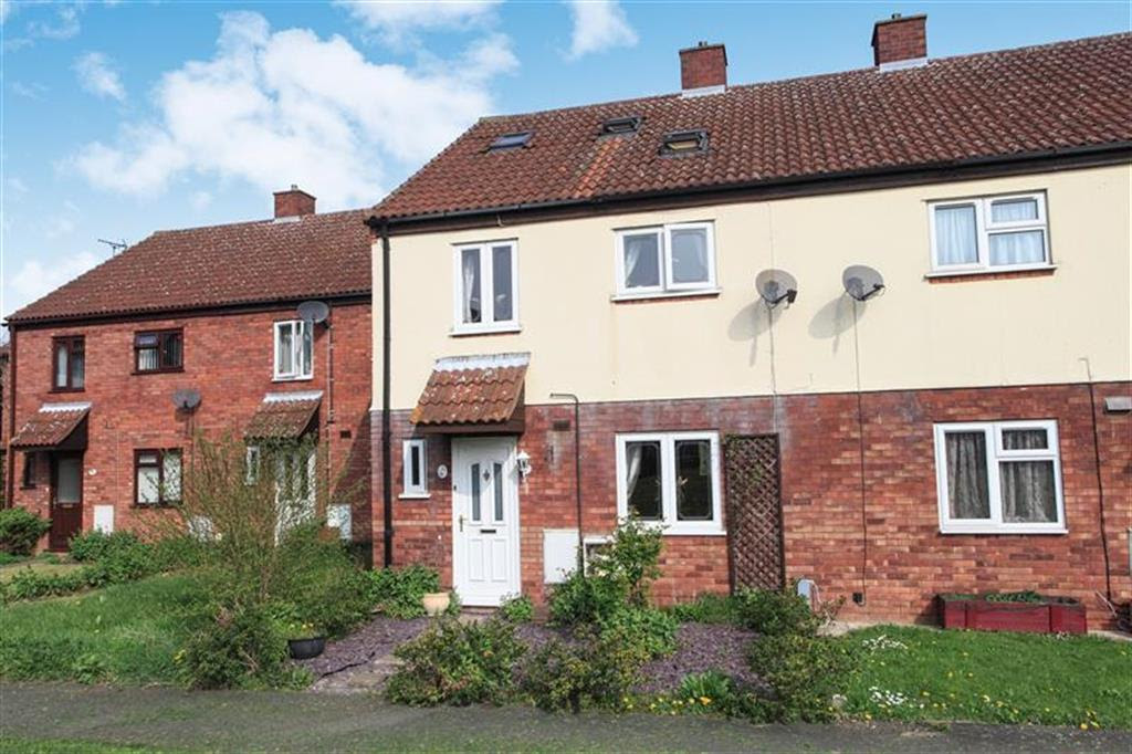 4 bedroom terraced house for sale in Lilac Walk, Yaxley ...