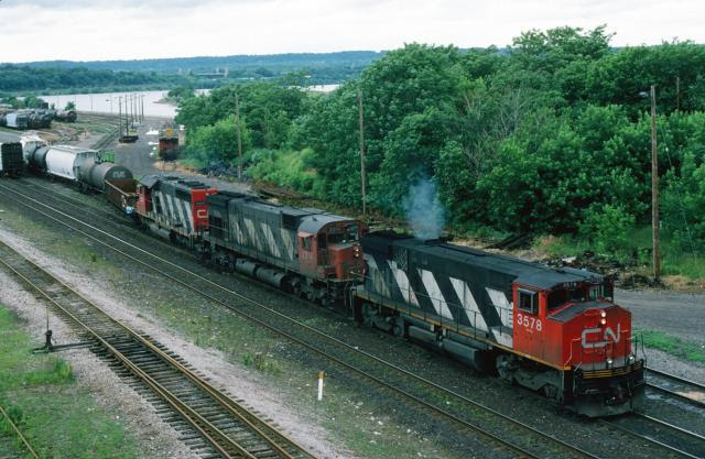 CN 3578 in Hamilton. Photo by David T Stowe