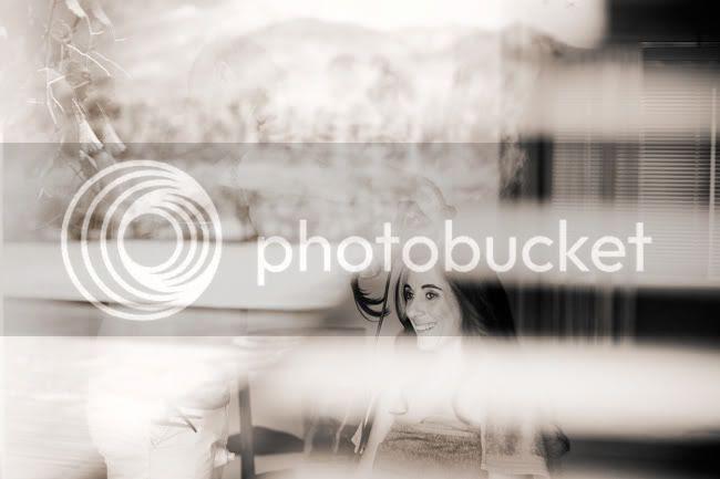 http://i892.photobucket.com/albums/ac125/lovemademedoit/VT_fraanschhoekwedding_002.jpg?t=1298038977