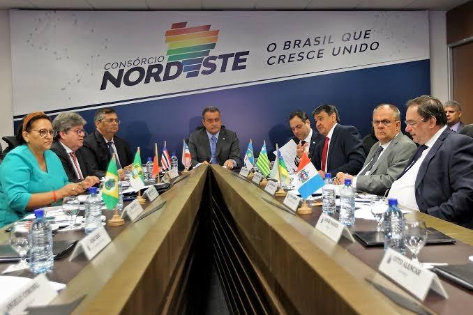 """""""Consórcio Nordeste é símbolo nacional da corrupção na pandemia"""", diz senador"""