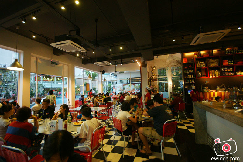BAD-BOY-COOKS-REAL-FOOD-OASIS-ARA-DAMANSARA-CROWD