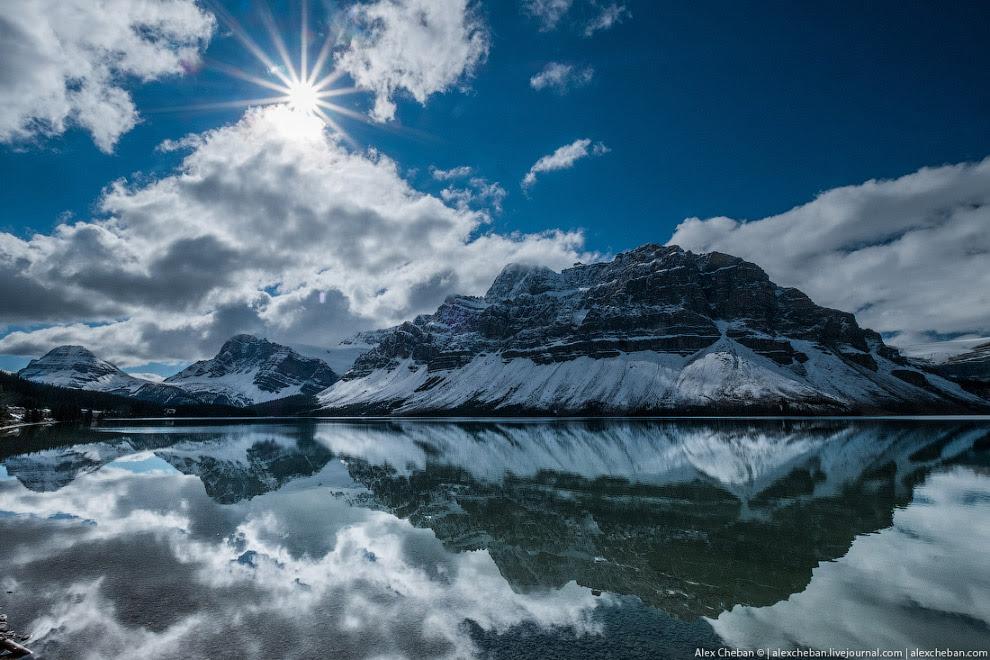 Боу (Bow Lake) — ледниковое озеро в Национальном парке Банф