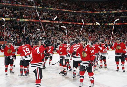 Blackhawks salute fans