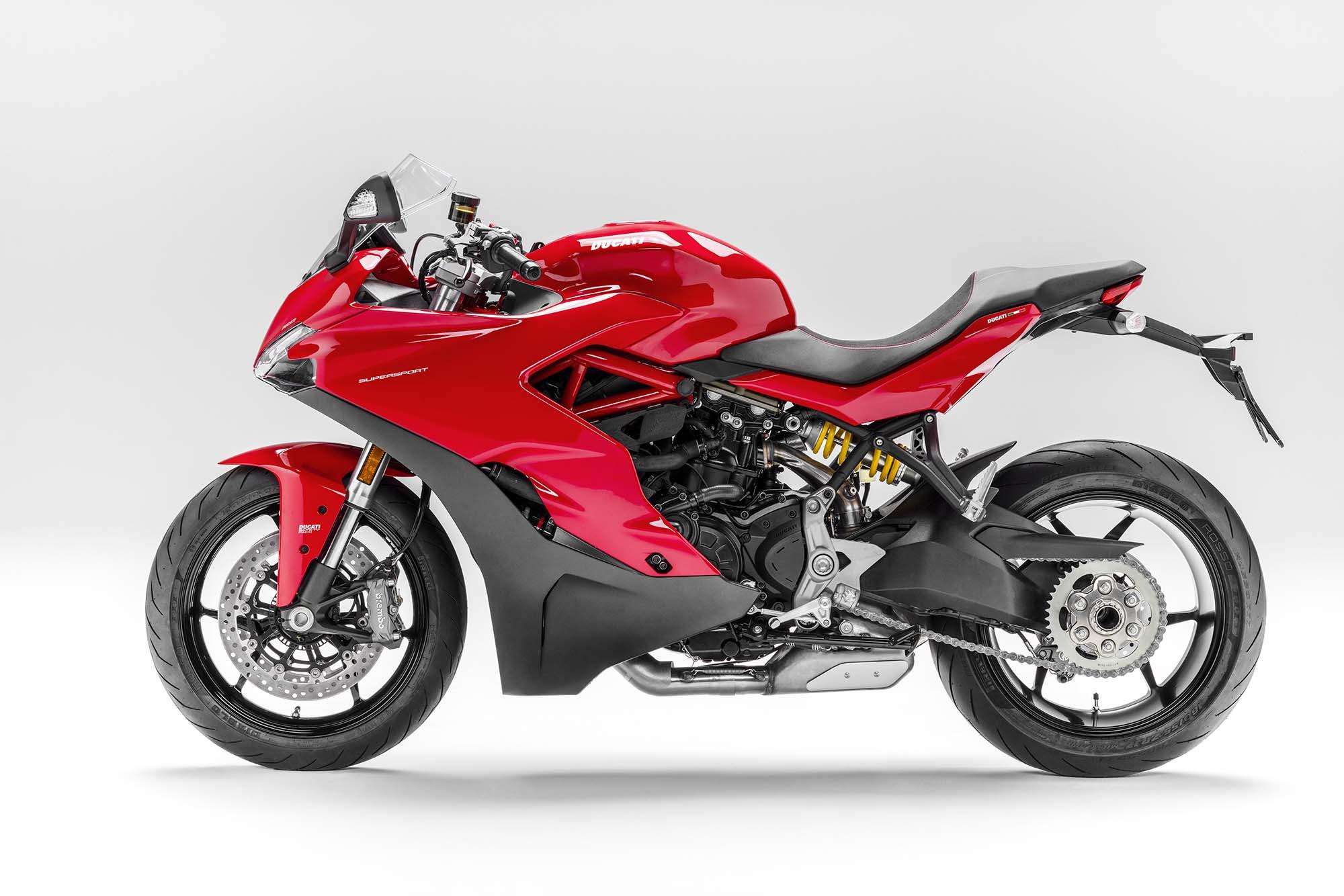 2017 Ducati SuperSport - The Sport Bike Returns - Asphalt ...