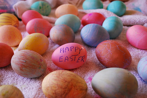 Dyeing eggs with the little neighbor kids