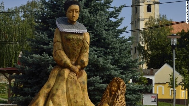 This is her statue! Why ? Why?