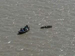 Embarcação usada por pescadores teve uma pane no motor (Foto: Major Nilson / GTA)