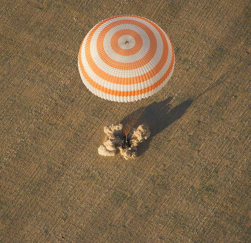 Expedition 32 Landing (201209170002HQ) by nasa hq photo