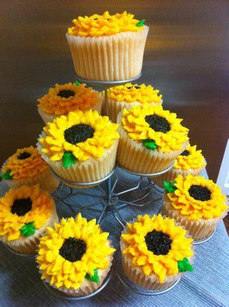 Sunflower Cupcakes   Miss Moffett's Mystical Cupcakes