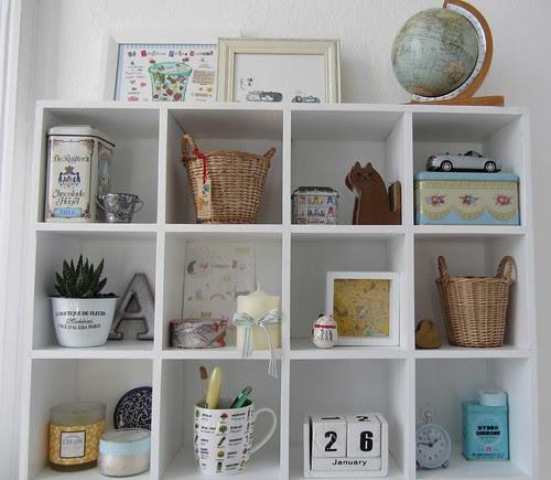Shelf_above_my_desk