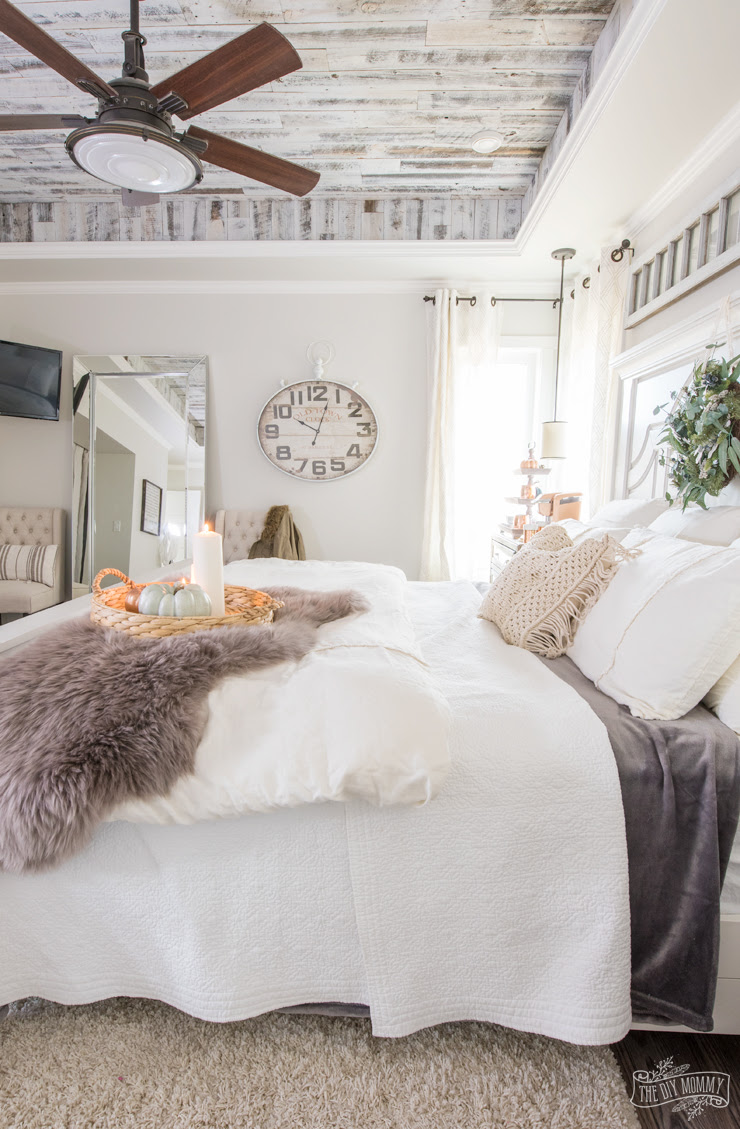 Cozy & Easy Fall Bedroom Decorating Ideas | The DIY Mommy