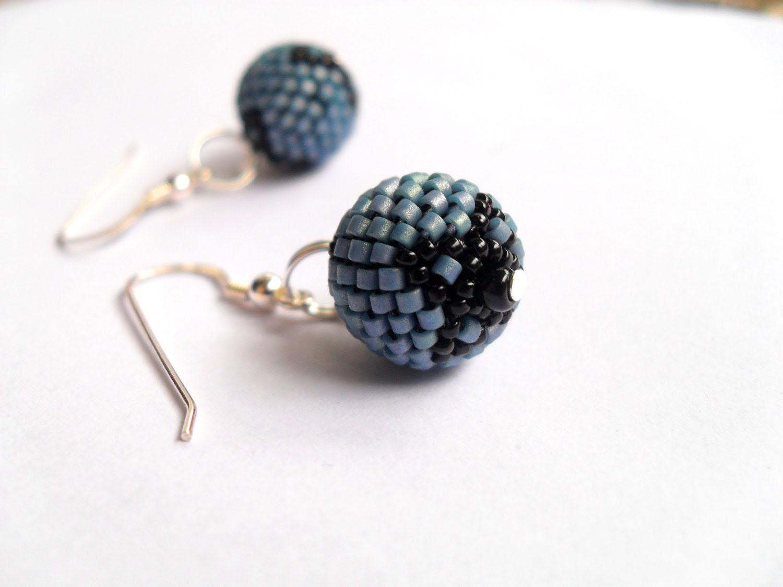 Blue beaded bead earrings, blue cyrenes earrings - Caliopescaprice