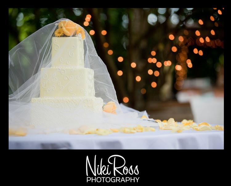 wedding-cake-lace-yellow-flowers