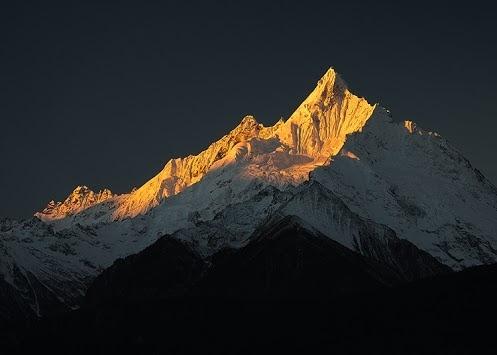 Algunos agradable Alpe Miancimu, con vistas al valle del Mekong en la frontera entre China y el Tíbet.