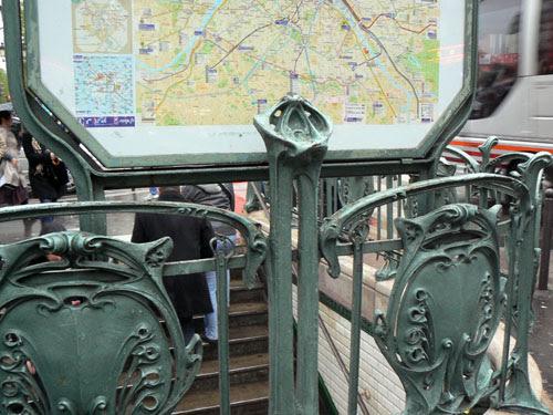 métro blanche.jpg