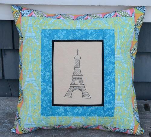 Tour d'Eiffel Pillow Deux