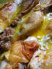el pollo con su salsa
