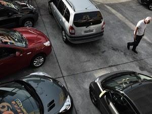 Lojas de usados viveram crise em 2012, quando começou o desconto no IPI (Foto: Caio Kenji/G1)
