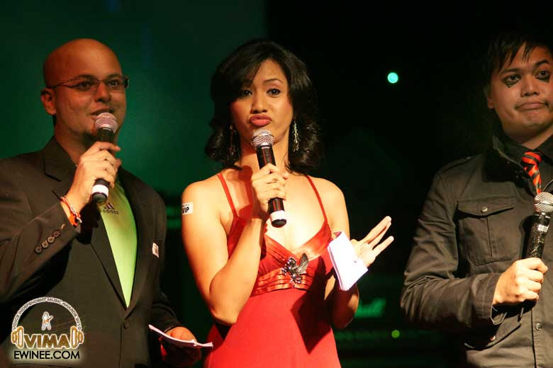 2010-VIMA-Awards-emcee