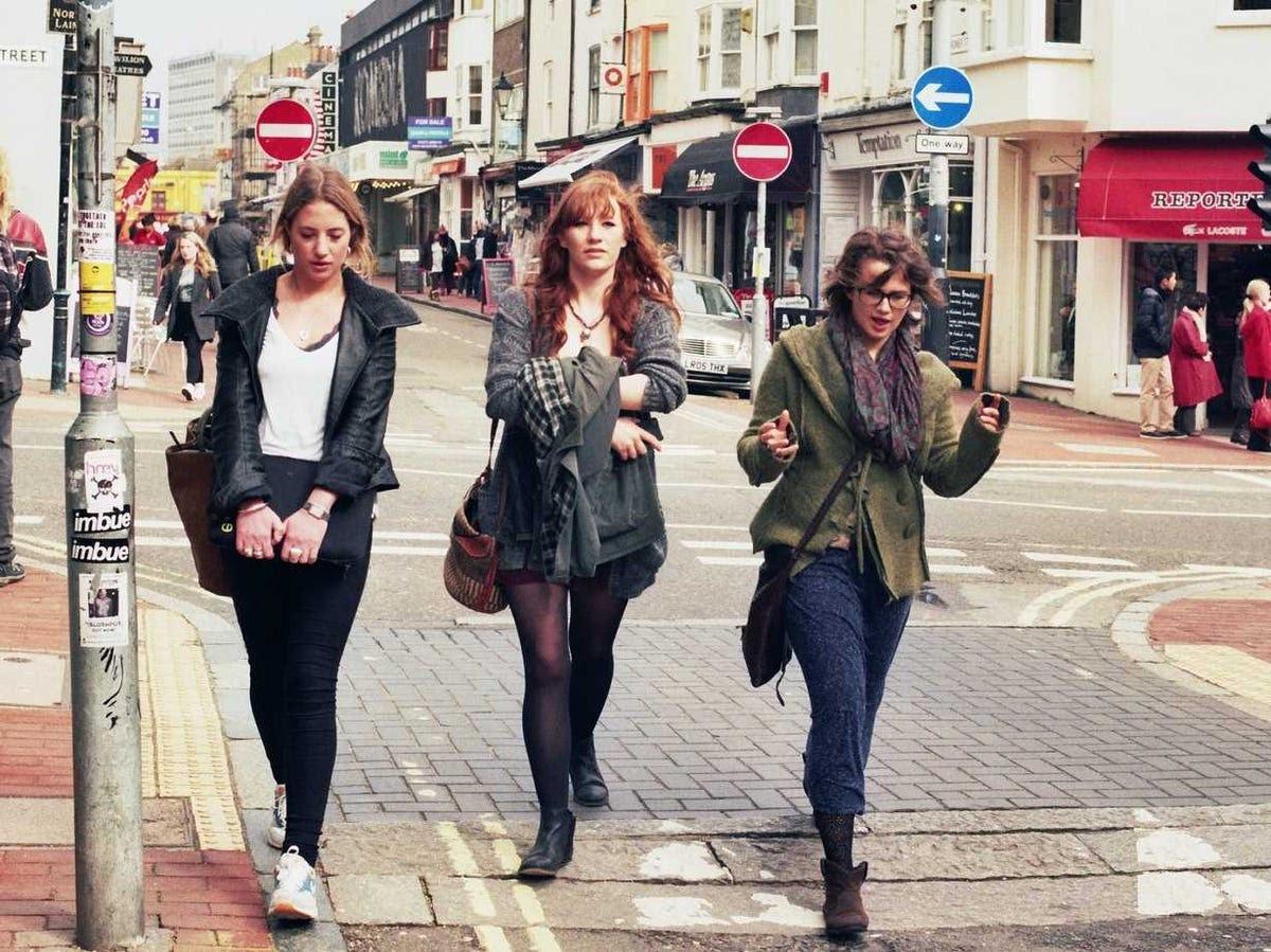 girls, women, hipster, friends, talking, millennial, gen y