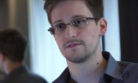 Edward Snowden, CIA, nhà thầu quốc phòng, Booz Allen Hamilton, Facebook, Google, Microsoft và Yahoo, dữ liệu người dùng