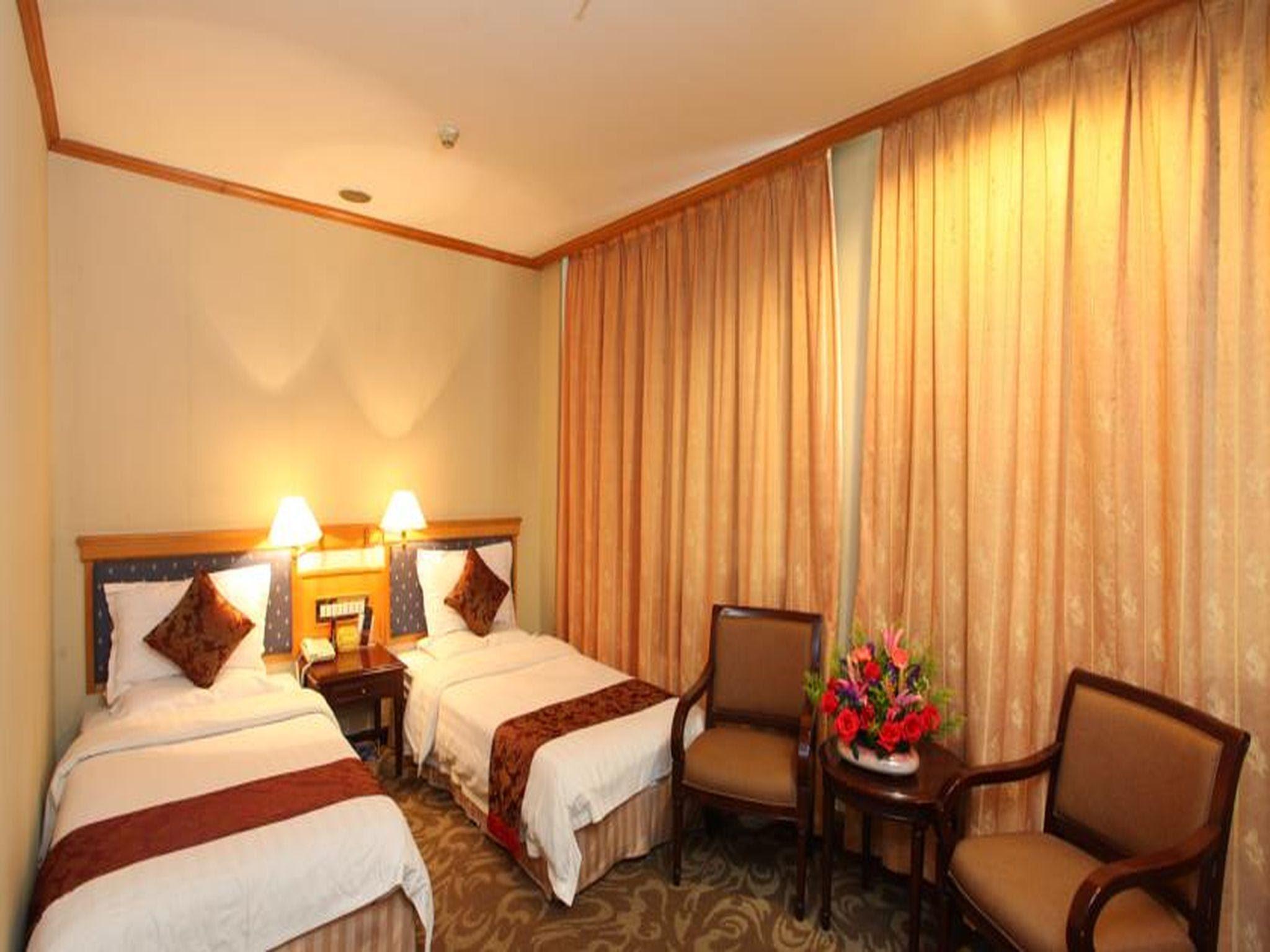 Reviews Xinhua Hotel