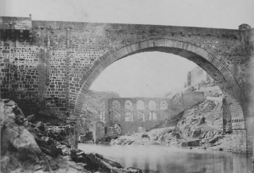 Puente de Alcántara y Restos del Artificio de Juanelo en 1858. Foto de Charles Clifford. The Hispanic Society of America.