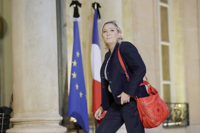 La chef du Front national marine Le Pen... (PHOTO PHILIPPE WOJAZER, ARCHIVES REUTERS)