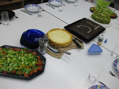 AK table