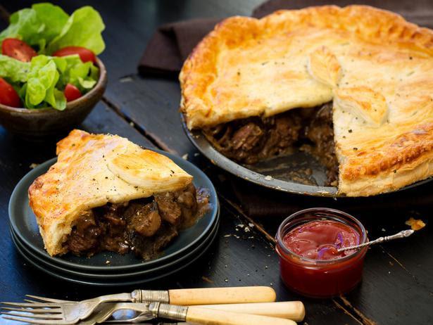 Steak and Mushroom Pie Recipe - Viva
