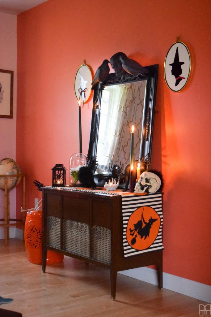 DIY-Halloween-Mirror-gothic-baroque-pmqfortwo DIY halloween decorations