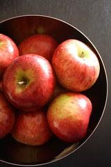Apple Bundt Cake - IMG_4527