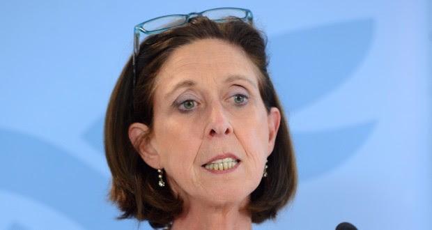La ministre de la Santé, Lydia Mutsch, était vendredi aux côtés duPremier ministre pour le briefing sur les travaux du gouvernement. (Photo : Fabrizzio Pizzolante)